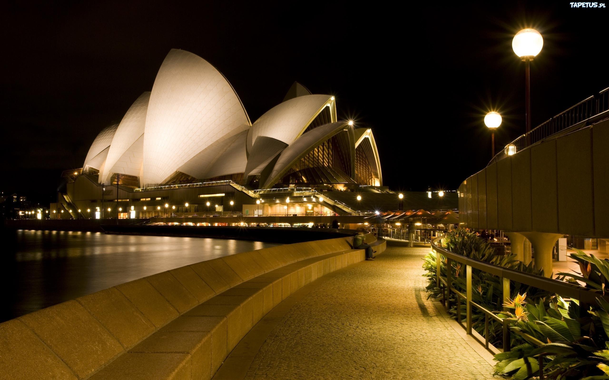 184833_opera-w-sydney-australia.jpg
