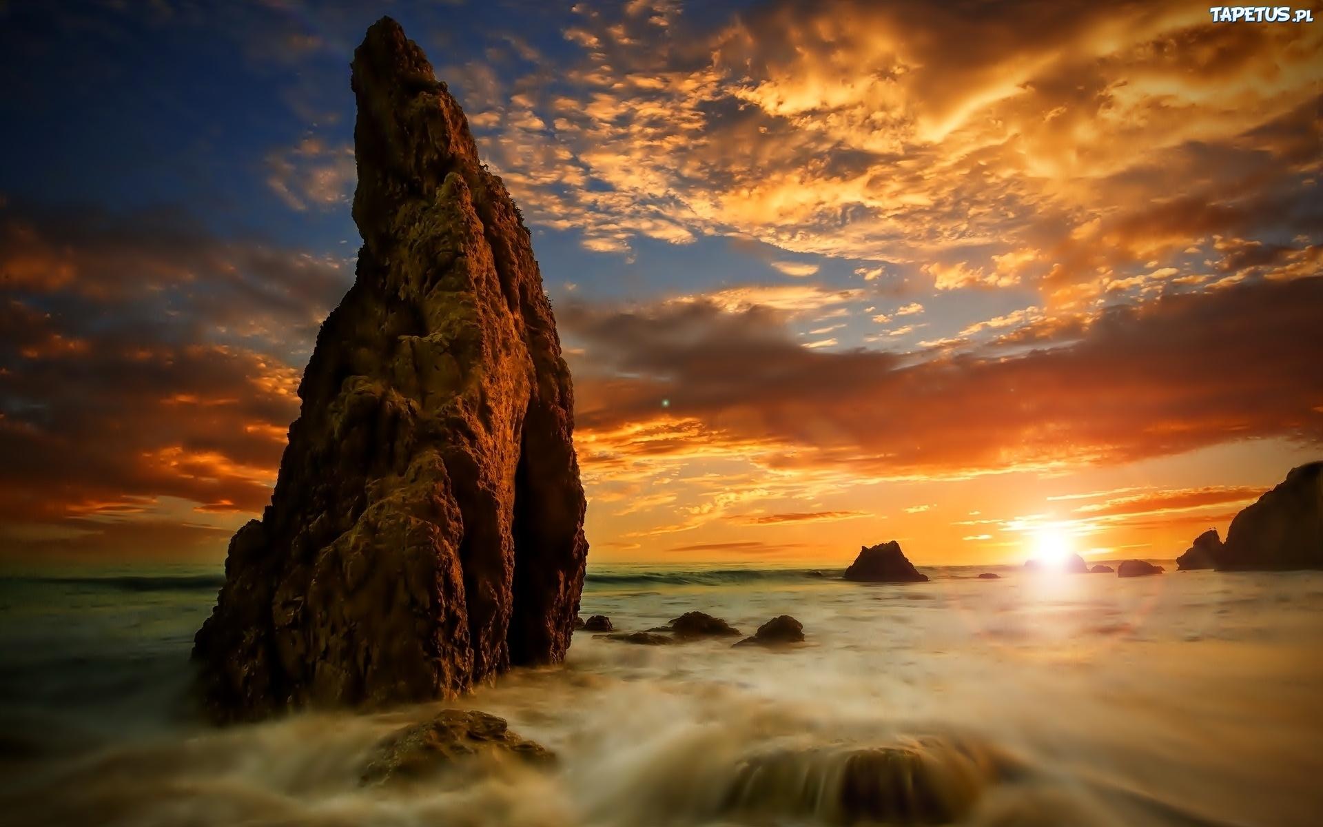 220166_chmury-morze-skaly-zachod-slonca.jpg